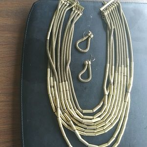 Big bold Necklace and earnings